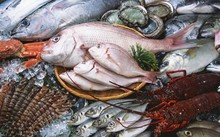 Dịch vụ hải sản 'xách tay' ăn nên làm ra