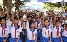 Vinamilk và Quỹ sữa Vươn cao Việt Nam trao tặng 111.000 ly sữa cho trẻ em An Giang
