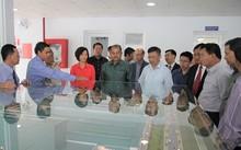 đoàn Đại biểu cấp cao Đảng Nhân dân cách mạng Lào thăm nhà máy sữa Vinamilk