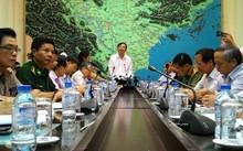 Bộ trưởng Nguyễn Xuân Cường chỉ đạo cuộc họp khẩn ứng phó bão số 10, ảnh Danviet.vn