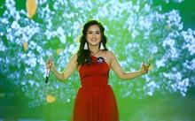 """Trần Thị Nhật Linh thể hiện bản mashup được phối từ hai bản hit """"Có em chờ"""" và """"Mong anh về""""."""
