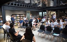 """""""Vietnam IOT Hackathon 2017"""" do Tổng Công ty Viễn thông Viettel phối hợp cùng UP Coworking Space tổ chức, rất thu hút các bạn trẻ IOT"""