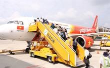 Ngừng khai thác nhiều chuyến bay do ảnh hưởng của bão Damrey