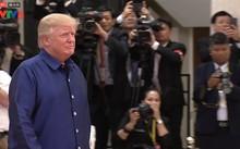 Tổng thống Mỹ Donald Trump tới dự tiệc chiêu đãi chào mừng hội nghị Cấp cao APEC tối qua tại Đà Nẵng
