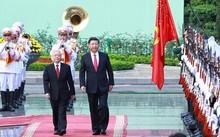 Tổng bí thư Nguyễn Phú Trọng và Tổng bí thư, Chủ tịch Trung Quốc Tập Cận Bình duyệt Đội danh dự. Ảnh: Giang Huy.