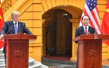 Chủ tịch nước Trần Đại Quang và Tổng thống Mỹ Donald Trump họp báo chung tại Phủ chủ tịch. Ảnh: Giang Huy.- VNE