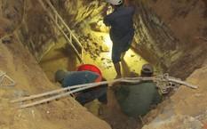 Một hầm mộ tập thể dưới phần đất gia đình ông Phong. Ảnh: X.T