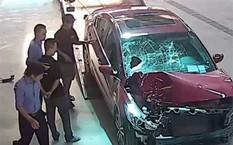 Trích xuất camera tại gara cho thấy Hiếu mang chiếc xe gây tai nạn đi sửa.