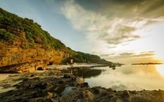Bãi biển trước chùa Hang, Lý Sơn