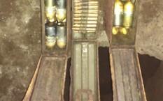 Số đạn pháo được phát hiện dưới nền nhà ông Thảo đã được thu gom.