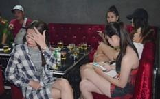 Vũ trường này hàng đêm quy tụ nhiều nam nữ đến vui chơi.