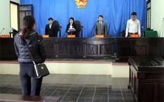 Một vụ xét xử ly hôn tại TAND TP Yên Bái. Ảnh: Báo Yên Bái.
