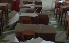 Vĩnh Long: Trần nhà lớp học bất ngờ sập khiến 9 học sinh bị thương