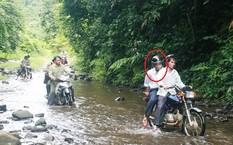 Ông Đoàn Tất Chẩn (khoanh tròn), nguyên Giám đốc Ban quản lý Rừng phòng hộ Sông Tranh vừa bị bắt khẩn cấp.