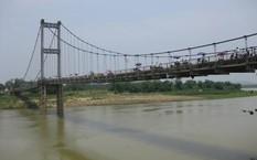 Cầu Dùng, nơi hai nữ sinh lớp 8 nắm tay nhau đi xuống sông tự tử.