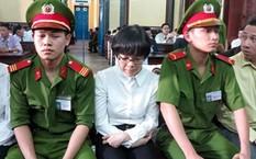 Huyền Như tại một phiên tòa.