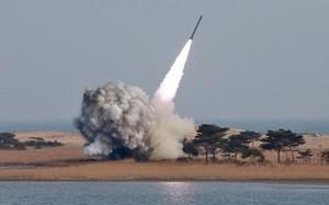 Kết quả hình ảnh cho Triều Tiên phóng tên lửa đạn đạo sau khi Seoul có tổng thống mới