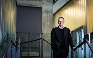 Geofrey Everest Hinton, nhà khoa học đặt nền móng cho ngành công nghiệp trí tuệ nhân tạo. (Nguồn: NYT)