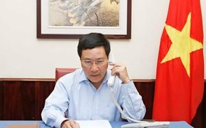 Phó thủ tướng, Bộ trưởng Ngoại giao Phạm Bình Minh điện đàm với Ngoại trưởng Indonesia Retno Marsudi ngày 28-7 - Ảnh: Bộ Ngoại giao Việt Nam