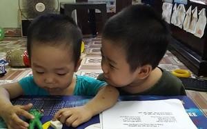 Nhờ được mẹ rèn giũa, hai anh em bé Bình rất thân thiết và yêu thương nhau