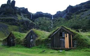 Những ngôi nhà Turf ở Iceland. (Nguồn: Planet)
