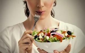 """Người dễ cảm lạnh và cúm hãy ưu tiên ăn nhiều thực phẩm """"ấm"""""""