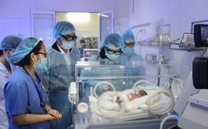 trẻ sơ sinh ở BV Bắc Ninh chuyển về BV TƯ được chẩn đoán bị sốc nhiễm khuẩn