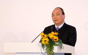 """Thủ tướng Nguyễn Xuân Phúc: """"Tất cả thể chế, chính sách, đặc biệt nghị định, thông tư trong phạm vi của Chính phủ, chúng tôi sẽ tiếp thu để làm nhanh hơn, tạo điều kiện cho nông nghiệp hữu cơ phát triển"""" (Ảnh  VGP)"""