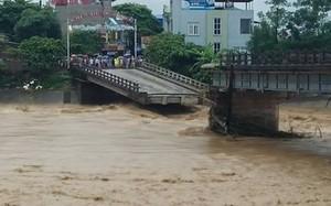 Cầu Thia bất  ngờ đổ sập khiến 8 người chết và mất tích