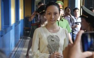 Hoa hậu Phương Nga tại tòa sáng 22/. Ảnh: Tân Châu