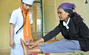 Nhiều bệnh viện huyện chỉ có 4-5 bác sĩ, thậm chí không có bác sĩ nào. Ảnh minh họa: T.T.