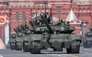 Xe tăng T-90 của Nga trong lễ duyệt binh kỷ niệm 71 năm Ngày Chiến thắng tại Quảng trường Đỏ ở thủ đô Moskva ngày 9/5. (Nguồn: EPA/TTXVN)