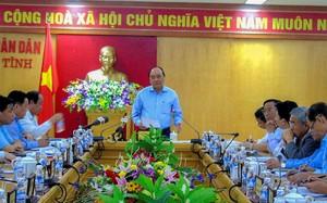Thủ tướng có cuộc họp với lãnh đạo Hà Tĩnh và FHS. Ảnh: Phạm Trường.