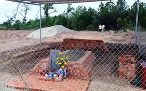 Ngôi mộ của vợ vua Tự Đức bị san ủi đã được phục dựng lại tạm thời.