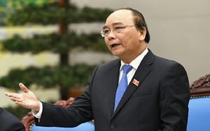 Thủ tướng Nguyễn Xuân Phúc lập Tổ tư vấn về kinh tế với sự tham gia của nhiều chuyên gia kinh tế hàng đầu trong nước, quốc tế.
