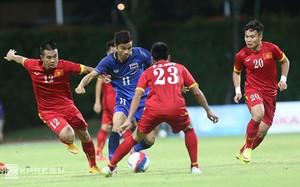 Việt Nam thường có duyên đi tiếp khi chung bảng với Thái Lan. Ảnh: Đức Đồng.