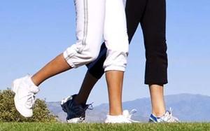 Đi bộ quá 3 km mỗi ngày có thể nhanh thoái hóa khớp