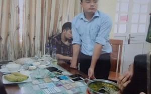Đối tượng Lê Duy Phong bị bắt cùng tang vật.