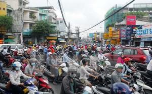 Qúa tải phương tiện giao thông cũng gây ra ô nhiễm tiếng ồn.