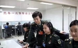 """Đơn vị phụ trách thông tin liên lạc """"Trạm điều hành Kênh 1"""" của Trung Quốc chỉ gồm toàn nữ giới (Ảnh: SCMP)"""