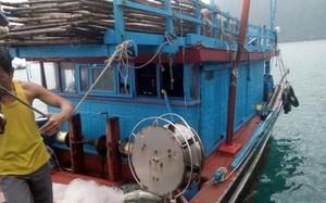 Chiếc tàu cá BĐ 31153 TS bị tàu nước ngoài truy sát