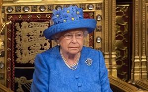 """Nữ hoàng anh Elizabeth II vừa được chính phủ """"tăng lương"""". Ảnh: BBC."""