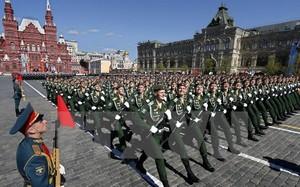 Các binh sỹ Nga trong lễ duyệt binh kỷ niệm Ngày Chiến thắng tại Moskva ngày 9/5. (Ảnh: EPA/TTXVN)