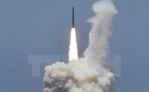 Một vụ thử tên lửa đánh chặn của Mỹ tại Căn cứ không quân Vandenberg ở bang California ngày 30/5. (Nguồn: AFP/TTXVN)