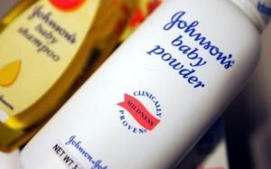 Sản phẩm phấn rôm trẻ em của hãng Johnson & Johnson - Ảnh: BBC/Getty Images