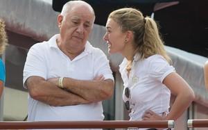 Amancio Ortega (trái) lại trở lại với ngôi người giàu nhất thế giới. Ảnh: Getty.