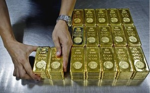 Giá vàng ngày 18/9: Áp lực bủa vây, tiếp tục rớt giá