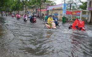 Thời tiết ngày 26/7: Mưa dông gây ngập úng cho các đô thị