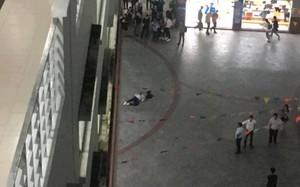Nam sinh viên trường ĐH Hutech bất ngờ tử vong trong sân trường