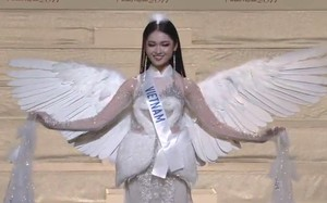 Á hậu Thuỳ Dung rạng rỡ và tràn đầy tự tin trong chung kết Hoa hậu Quốc tế